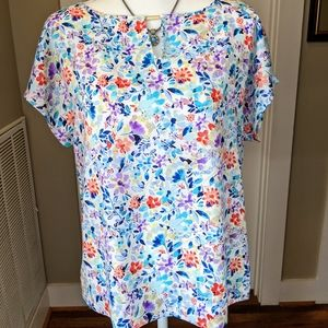 NWT Size PM Floral Top